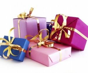 Cadouri amuzante pentru petrecerea burlacilor sau burlacitelor
