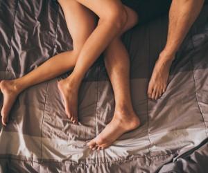 5 modalitati de a incepe o conversatie despre sex cu partenerul tau
